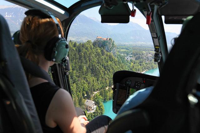Polet s helikopterjem – doživetje za 10!